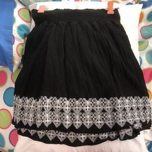Black/white detailed skirt from Old Navy